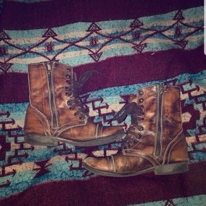 Size 6 1/2 Steve madden distressed boots